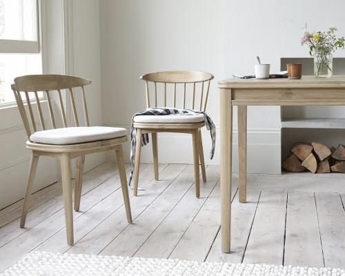 Cele mai noi modele de scaune bucatarie din care sa alegi pentru o amenajare cu stil