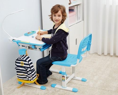 Alege dintre cele mai noi modele de birou pentru camera copilului tau