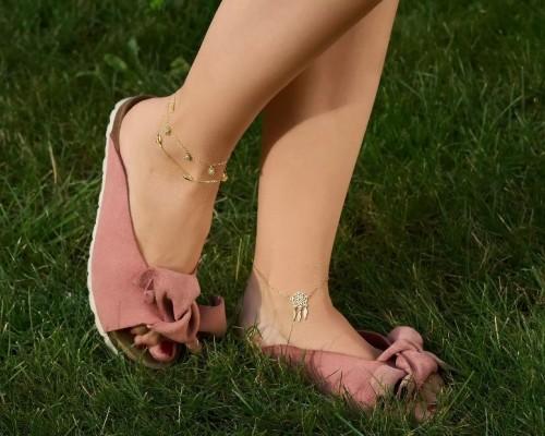 Cum sa porti bratari pentru picior in sezonul estival